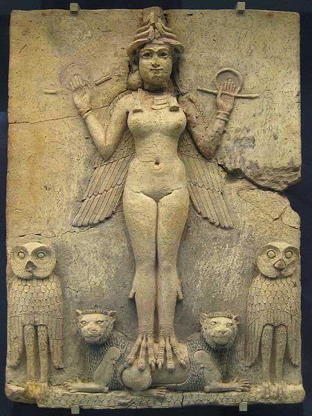 Relieve de la 'Reina de la Noche' datado en el Período Babilónico Antiguo y que podría representar a Ereshkigal, Ishtar o incluso Lilith, diosa del Inframundo. (Dominio público)