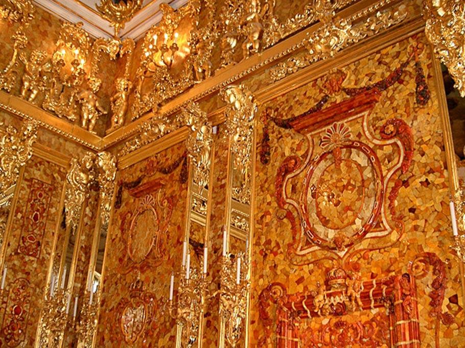 Réplica del Salón de Ámbar reconstruida en el Palacio de Catalina, cercano a San Petersburgo. (Public Domain)