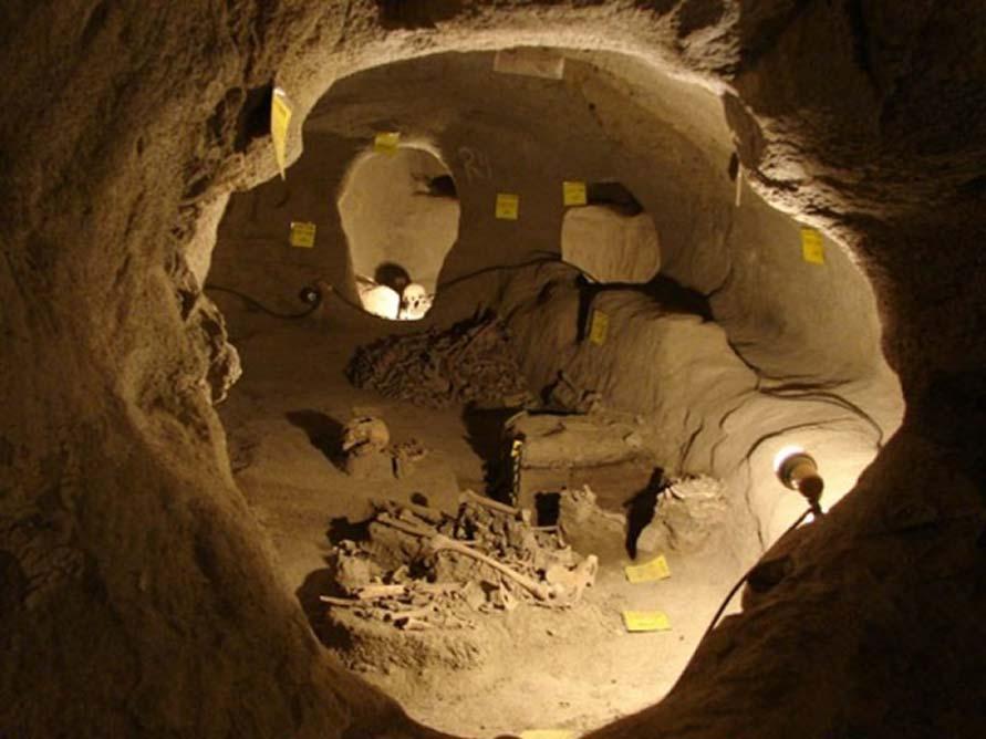 Se descubrieron restos humanos en la ciudad subterránea de Nushabad, Irán. (Agencia de viajes Friendly Iran)