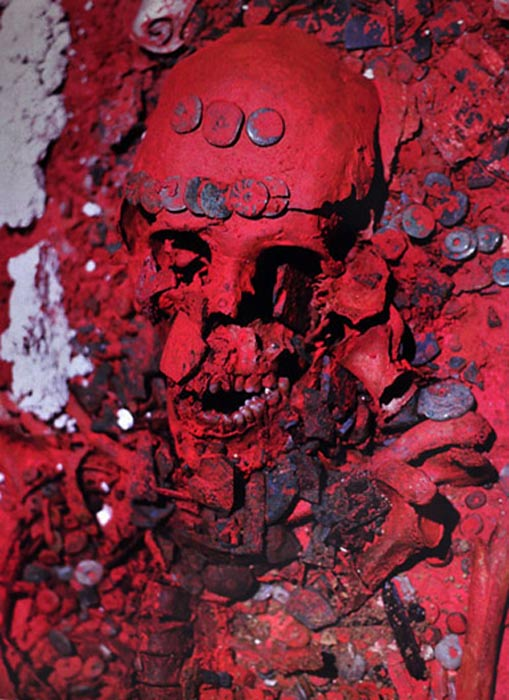 Restos óseos de la Reina Roja hallados en Palenque (ontheroadin.com)