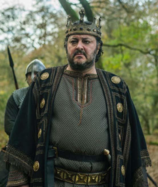 El rey Ælla tal y como aparece en la serie de televisión 'Vikingos'. (CC BY SA)