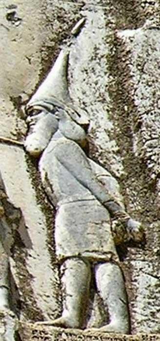 """Skunkha, rey de los Sakā tigraxaudā (""""los Saka de sombreros puntiagudos"""", un grupo de tribus escitas). (livius.org)"""
