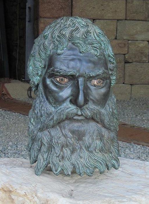 Reproducción de una escultura de bronce del rey tracio Seuto III descubierta en su tumba/heroon de las afueras de Seutópolis. (QuartierLatin1968/CC BY SA 3.0)