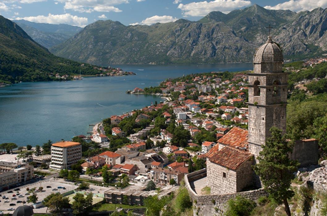 La bella ciudad montenegrina de Risan (Public Domain)