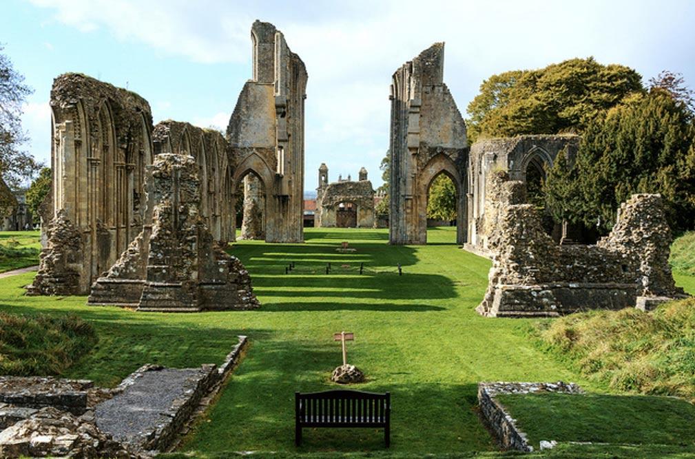 Ruinas de la Abadía de Glastonbury en Somerset, Inglaterra. (CC BY 2.0)