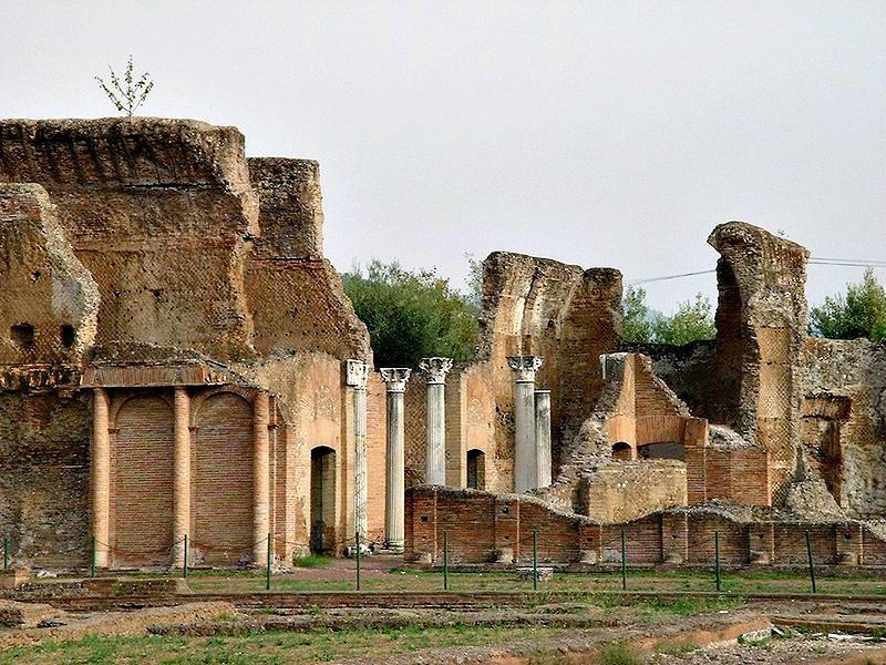 Ruinas del Palacio Imperial de la Villa Adriana, zona en la que el equipo de arqueólogos españoles está trabajando en la actual campaña de excavaciones. (Public Domain)