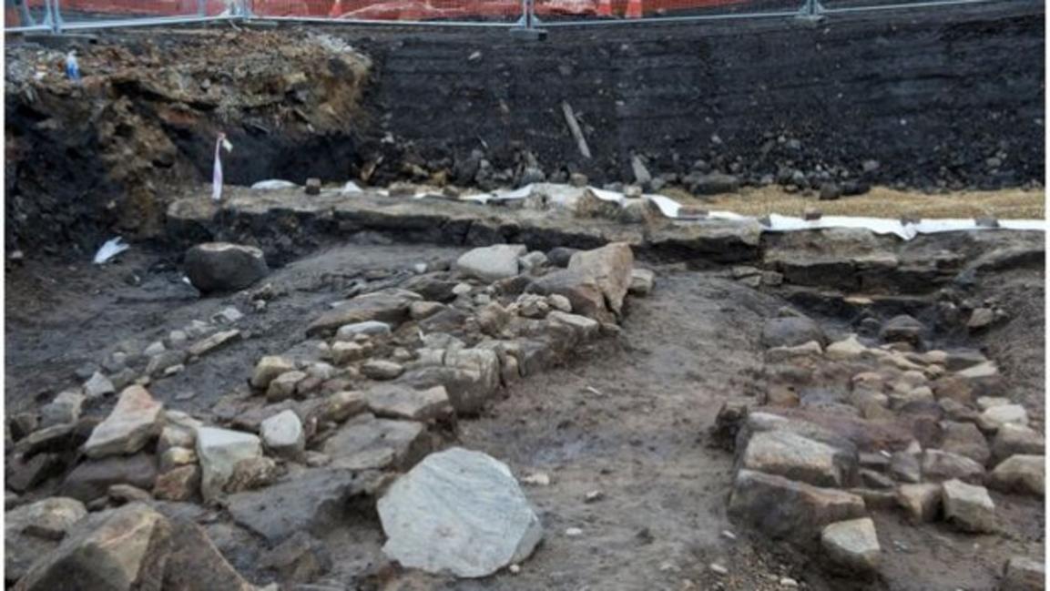 Se cree que estos restos pertenecen a dos edificios, uno medieval del siglo XII o XIII y otro más moderno de principios del siglo XVII. (The Scotsman)