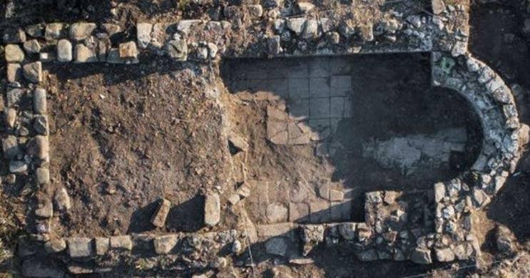 Ruinas de un pequeño monasterio del siglo XII-XIV descubierto en la isla búlgara de Santo Tomás. Imagen: Museo Nacional de Historia de Bulgaria
