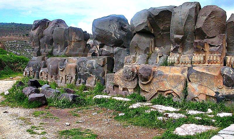 Parte de las ruinas del misterioso Templo de Ain Dara. (Odilia/GNU Free)