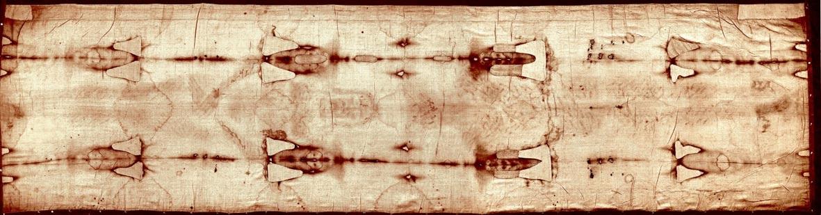 La Sábana Santa de Turín completamente extendida. Científicos y estudiosos aún no han resuelto todos sus misterios. (Public Domain)