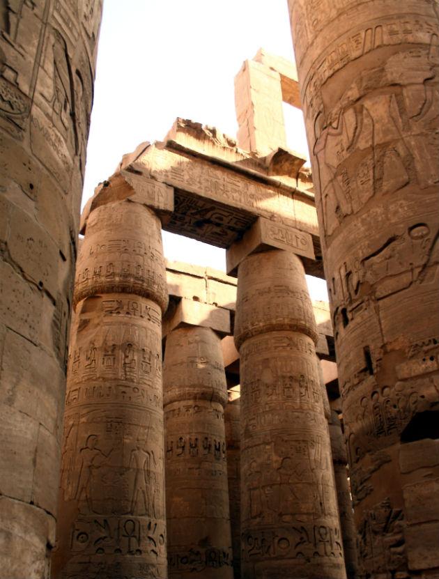 Las magníficas columnas de la gran Sala Hipóstila del templo de Luxor, consagrado a Amón-Ra (Fotografía: Hedwig Storch / CC BY-SA 3.0)