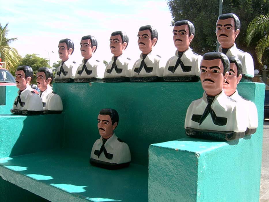Jesús Malverde, un santo no reconocido. Se cuenta de él que era un bandido que robaba a los ricos para dárselo a los pobres. (CC BY-NC-SA 2.0)