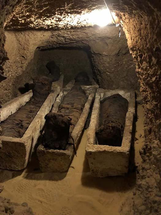 Algunas de las momias se encontraban dentro de sarcófagos de piedra.