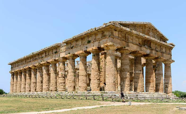 Segundo templo de Hera, conocido también como templo de Neptuno o templo de Poseidón, Paestum (Poseidonia), Campania, Italia. (Norbert Nagel/CC BY SA 3.0)
