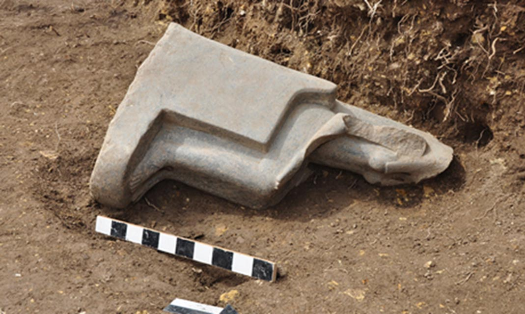Estatua de Sekhmet 'in situ'. (Ministerio de Antigüedades egipcio)