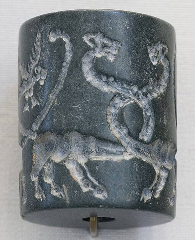 Sello cilíndrico de jaspe: leones monstruosos y águilas con cabeza de león, Mesopotamia, período de Uruk (4100 a. C. – 3000 a. C.). (Marie-Lan Nguyen/CC BY 3.0)