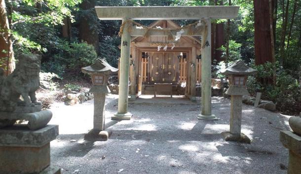 Shinto-Templo-Niu-Jinja.jpg