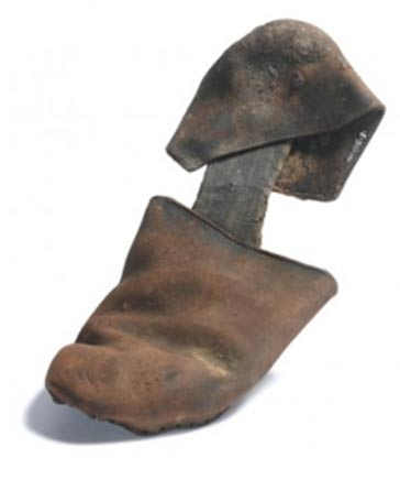 Alpargata del siglo XVI descubierta por los arqueólogos de Crossrail (Foto: Crossrail)