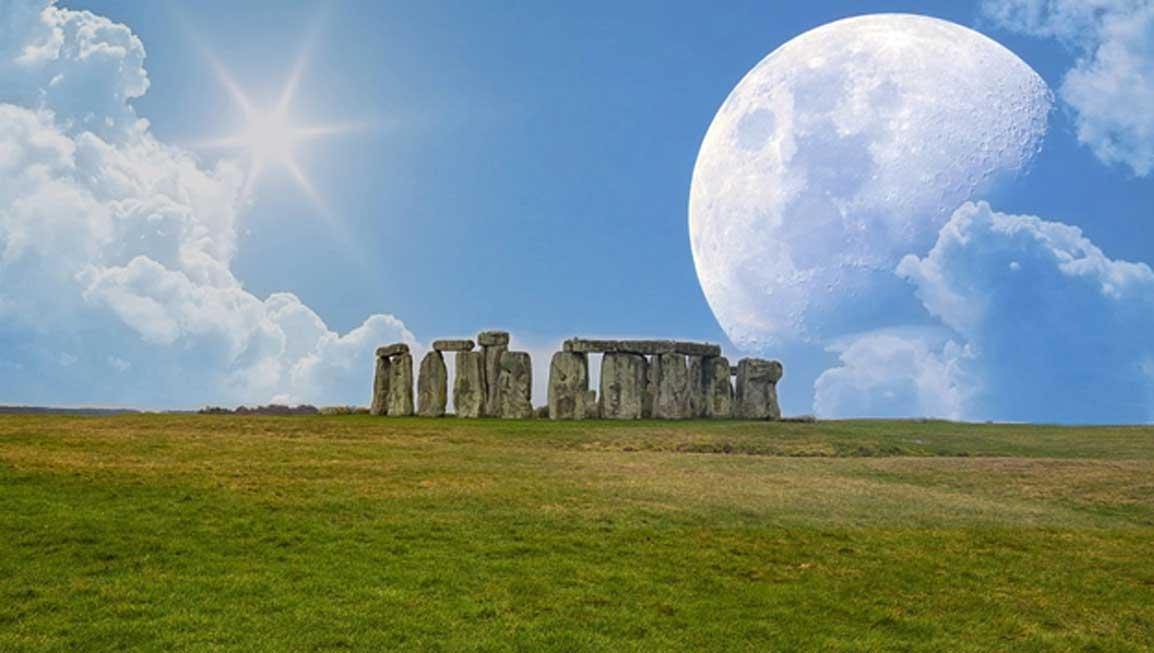 Algunos investigadores sostienen que Stonehenge fue diseñado para registrar las posiciones del sol y de la luna. (CC0)