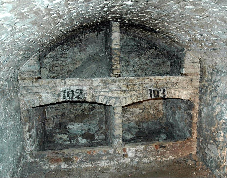 Almacén en el interior de las catacumbas (CC BY 2.5)