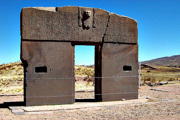 "La famosa ""Puerta del Sol"" de Tiahuanaco (Flickr)"