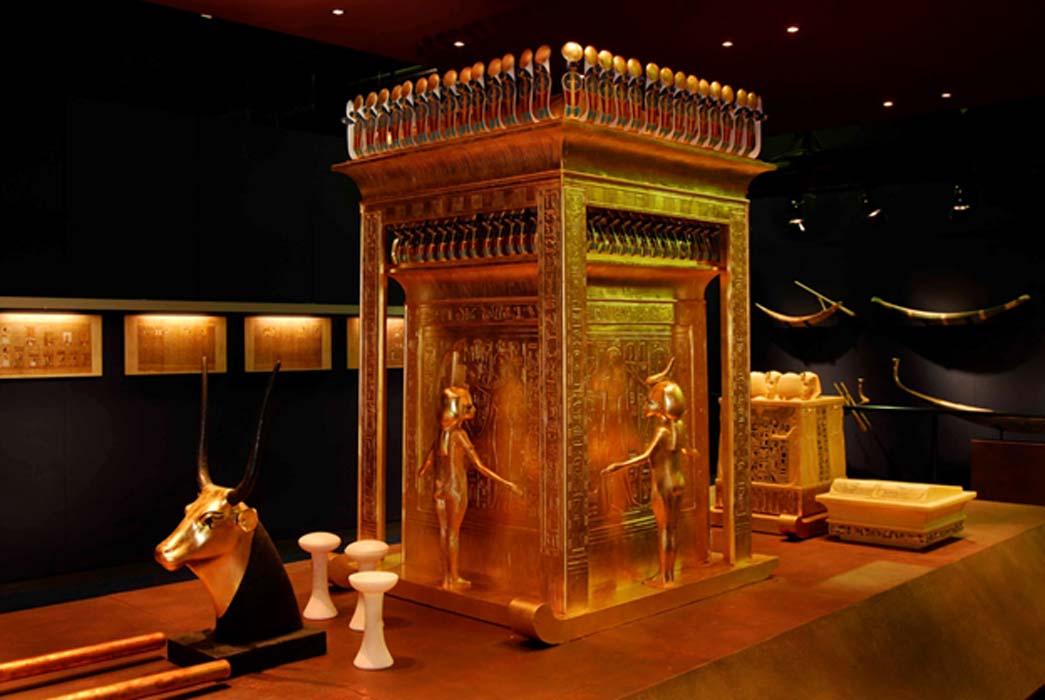 Templete canópico de la tumba de Tutankamón. (seethrumag.org)