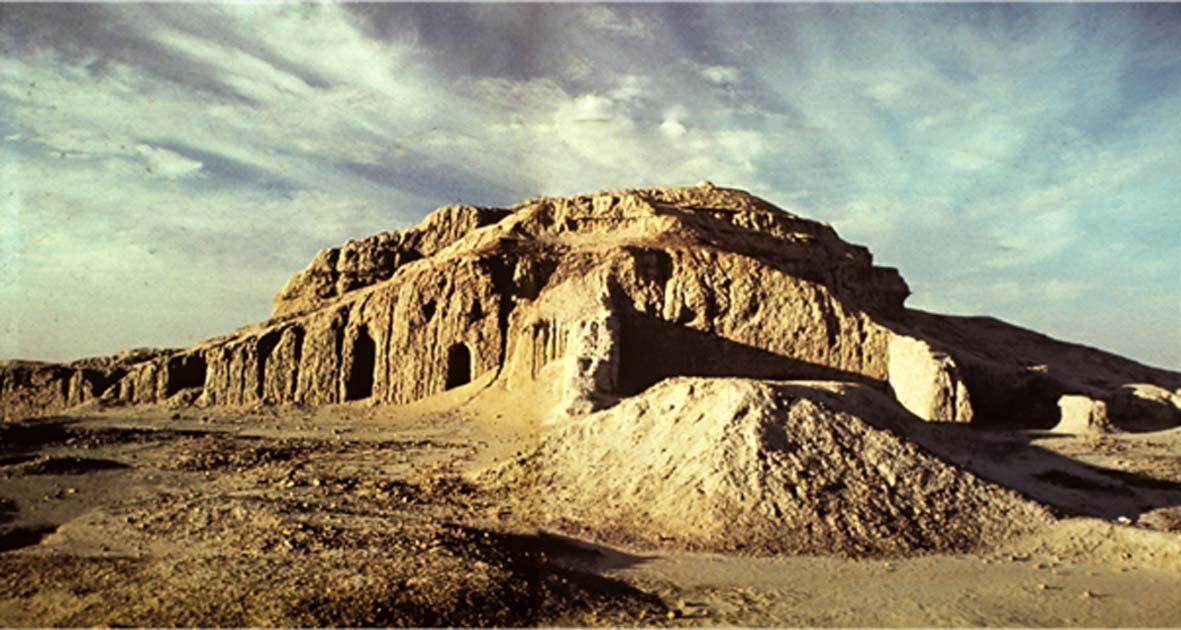 Templo Blanco y Zigurat. (aparthistory2015.blogspot.com)