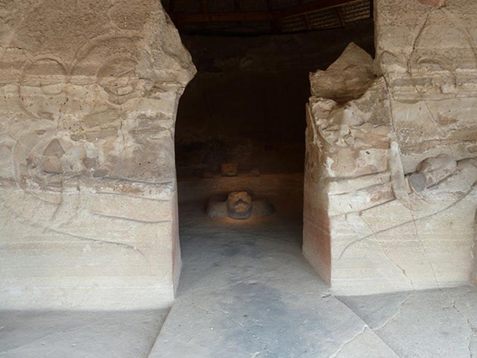 Entrada a la cámara interior del Templo de los Guerreros Águila, Malinalco (México). (CC BY SA 3.0)