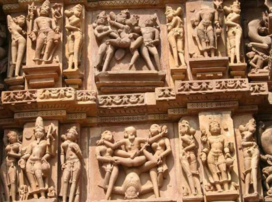 Relieves eróticos en los templos de Khajuraho (Nagarjun Kandukuru / CC BY SA 2.0)