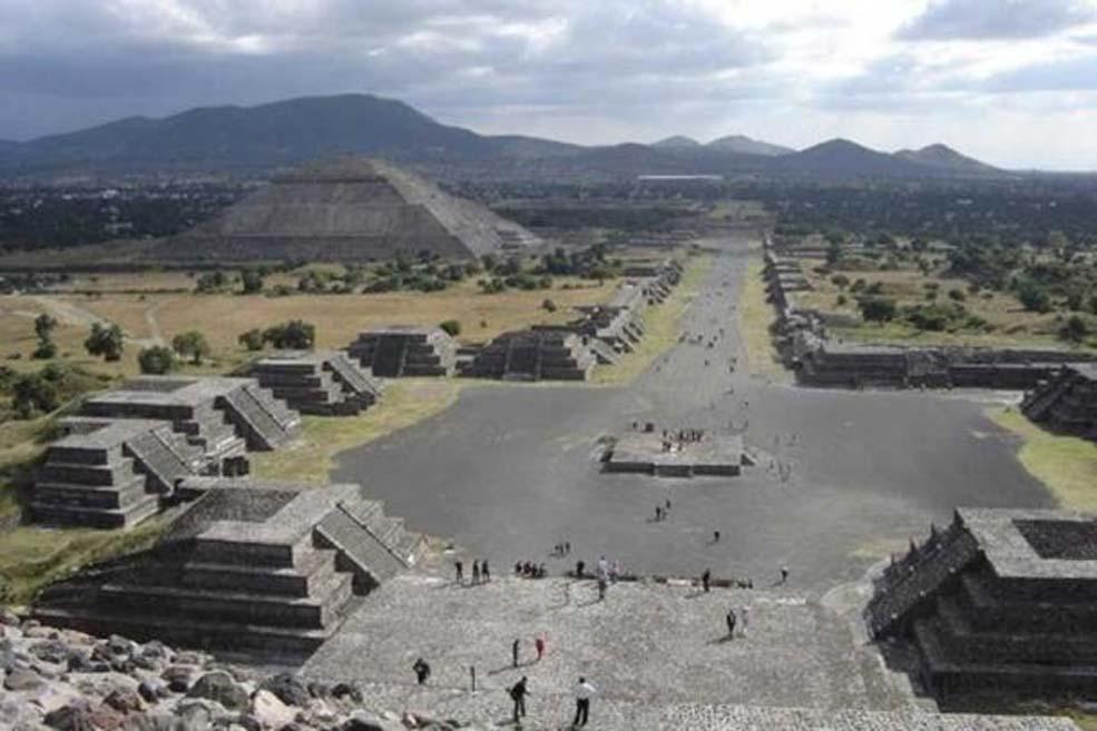 Vista de Teotihuacán, México. (CC BY SA 2.0 )