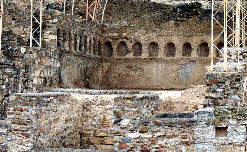 Parte de las antiguas termas romanas de Bílbilis, abandonadas a finales del siglo II d. C. (Ecelan/GNU Free)