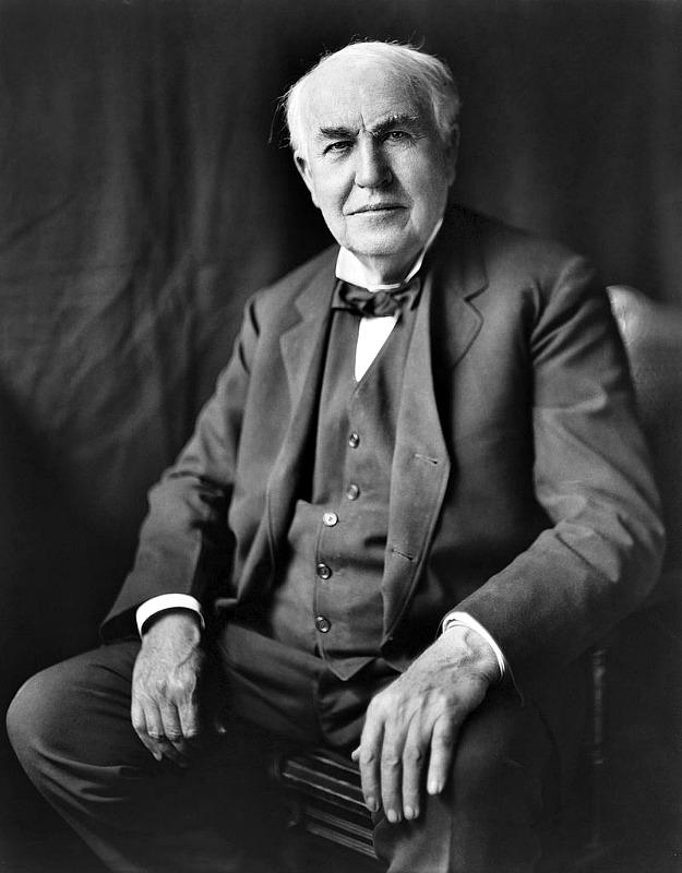 Fotografía de Thomas Alva Edison tomada en torno al año 1922. (Dominio público)