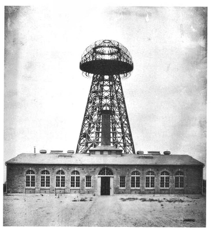 Estación inalámbrica de Nikola Tesla construida en Wardenclyffe, Long Island, Nueva York (fotografía tomada en 1904). (Public Domain)