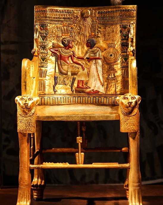 Trono de Tutankamón encontrado en su cámara funeraria. (Public Domain)