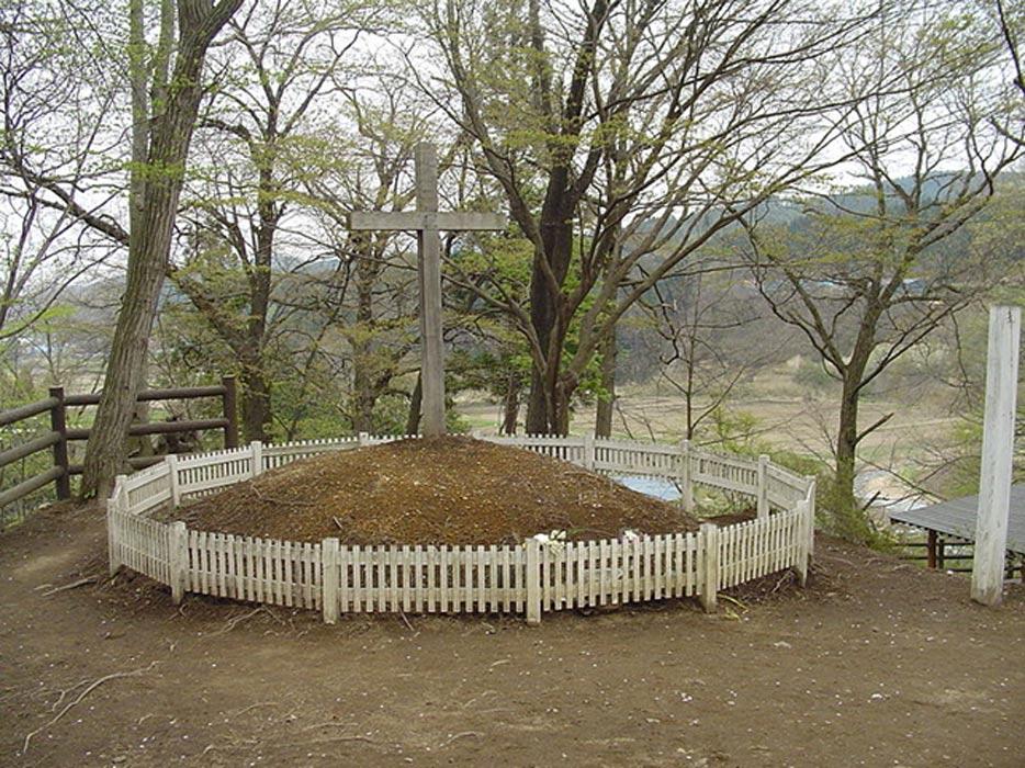 """""""Tumba de Cristo"""" (Shingo, Aomori, Japón). (thor hestnes/CC BY 3.0)"""