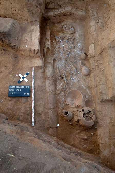 Tumba de un niño recientemente descubierta en Egipto. Crédito: Ministerio de Antigüedades de Egipto