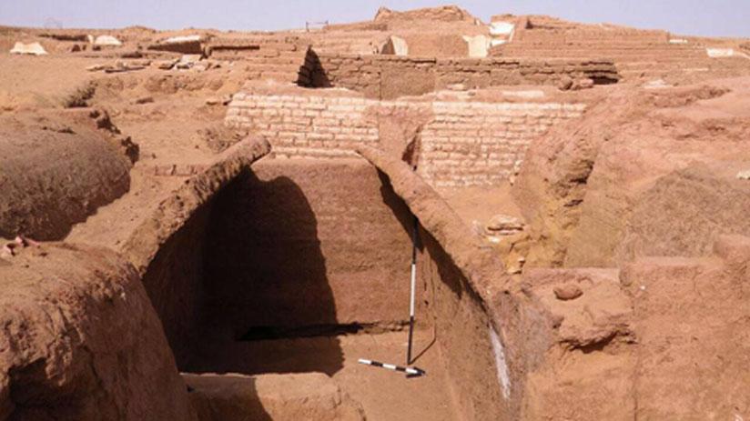Tumbas del yacimiento de Beir Al-Shaghala, Egipto. (Ministerio de Antigüedades)