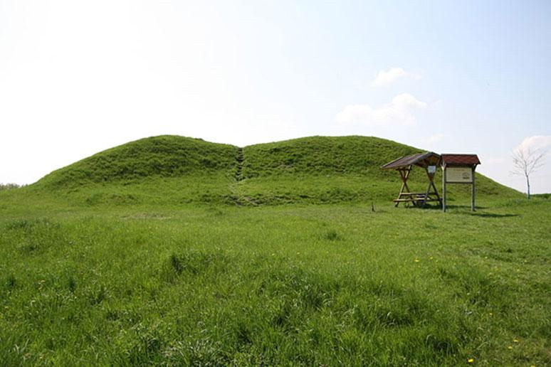 El túmulo de Leubinger en Turingia, Alemania. (Dominio público)
