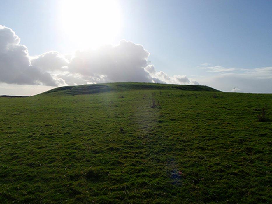 Panorámica del Túmulo de Rathcroghan. (Wikimedia)
