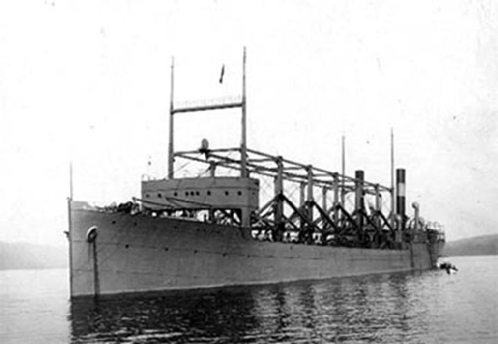 El USS Cyclops (uno de los navíos supuestamente desaparecidos en el Triángulo de las Bermudas), en una fotografía tomada en 1911. (USN Photo)