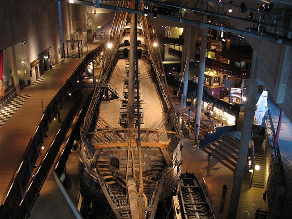 El Vasa en la sala principal del Museo Vasa, fotografiado desde su proa. (CC BY-SA 3.0)