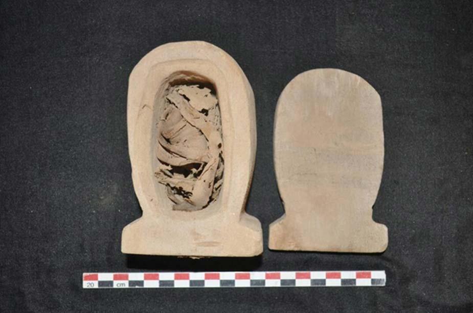 Vaso canopo hallado en una de las tumbas de Asuán. (Ministerio de Antigüedades de Egipto)