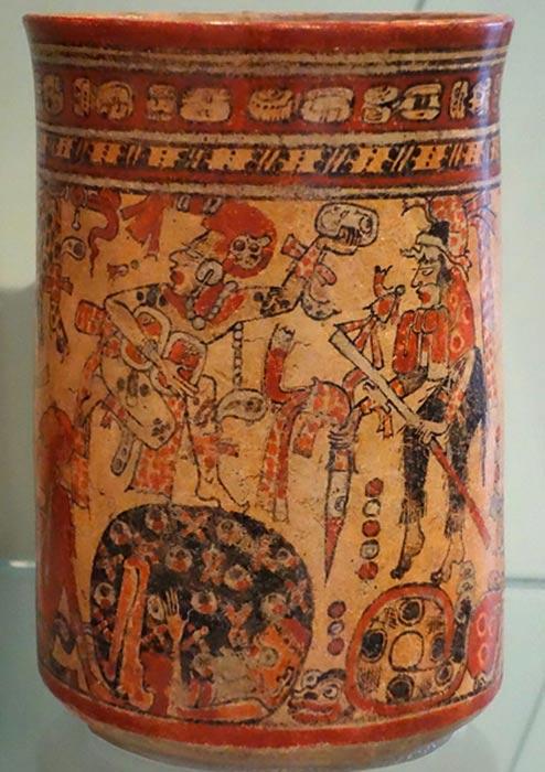 Vaso maya en cuya decoración se observan algunas de las deidades de la corte de Xibalbá (Public Domain)