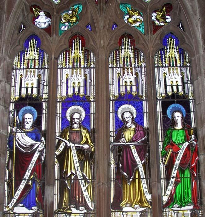 La vidriera de los Evangelistas diseñada por Wright e instalada en la iglesia de St. Luke de Hodnet. (Fotografía: Graham Phillips)