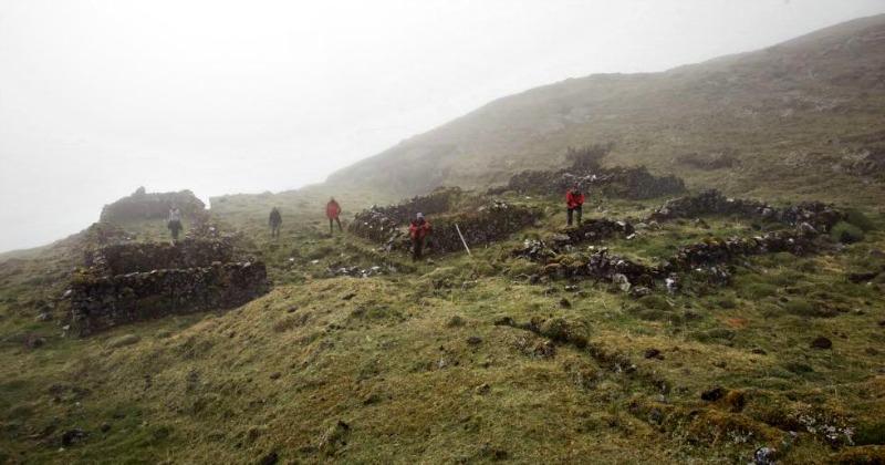 Algunas de las ruinas pertenecientes al complejo ceremonial recientemente descubierto (Fotografía: Rafa Gutiérrez/El País)