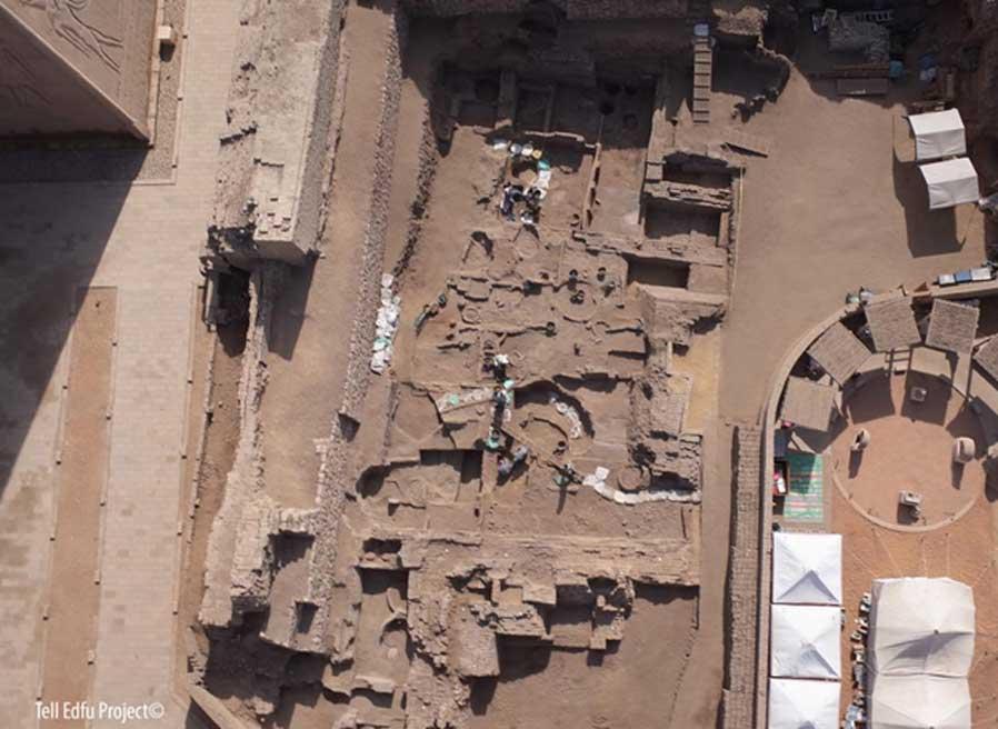 Vista aérea de la zona de excavación del Imperio antiguo (Zona 2) en el asentamiento de Tell Edfu, Egipto. (Tell Edfu Project)