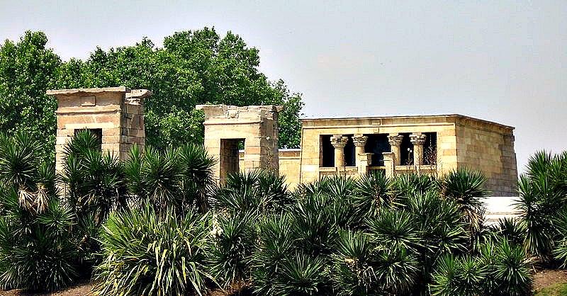 El Templo de Debod en su actual localización madrileña. (myself/GNU Free)
