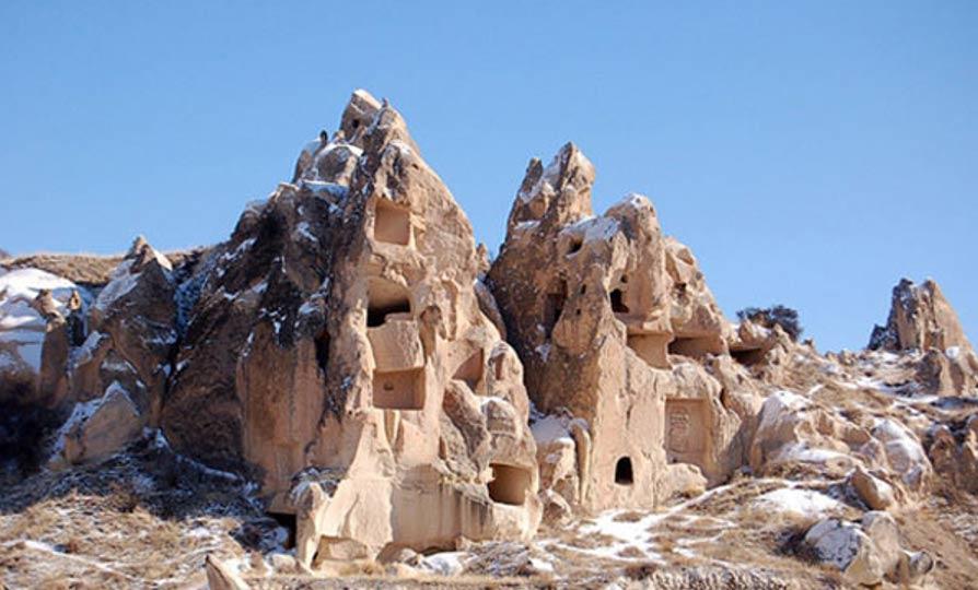 Viviendas excavadas en la roca, Capadocia. (Public domain)