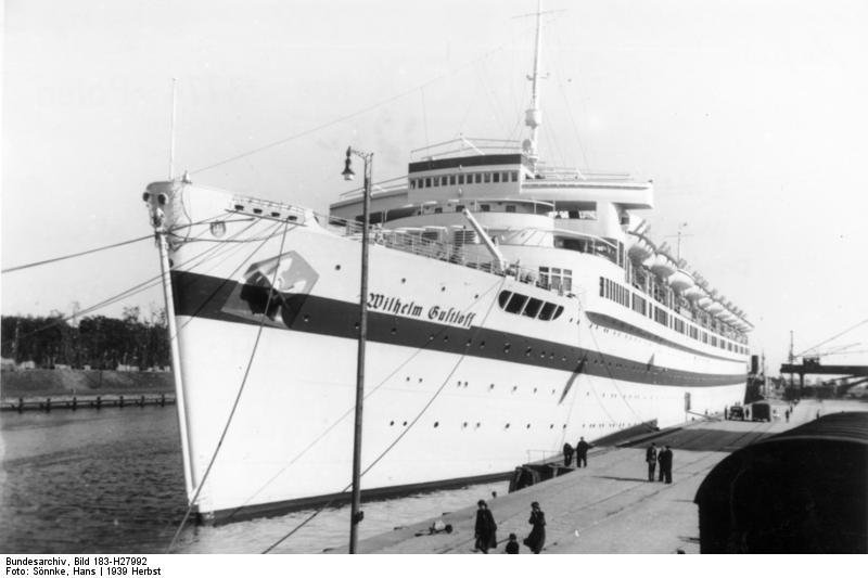 El Wilhelm Gustloff durante la época en la que estuvo siendo utilizado como buque hospital (Bundesarchiv, Bild 183-H27992 / Sönnke, Hans / CC-BY-SA 3.0)