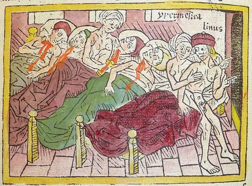 En esta xilografía medieval se observa cómo las Danaides asesinan a sus maridos, mientras que una de ellas aconseja al suyo que huya. (kladcat/CC BY 2.0)